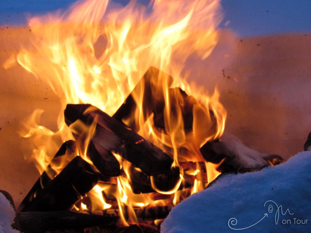 Lagerfeuer - hm, mit Waffeln und Glühwein - was will man man mehr?