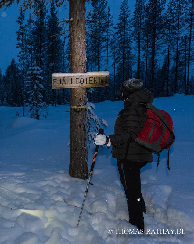 Hier geht's nicht lang - wir müssen die andere Richtung einschlagen - Gut, dass wir die Stirnlampen dabei haben. Foto: Thomas Rathay
